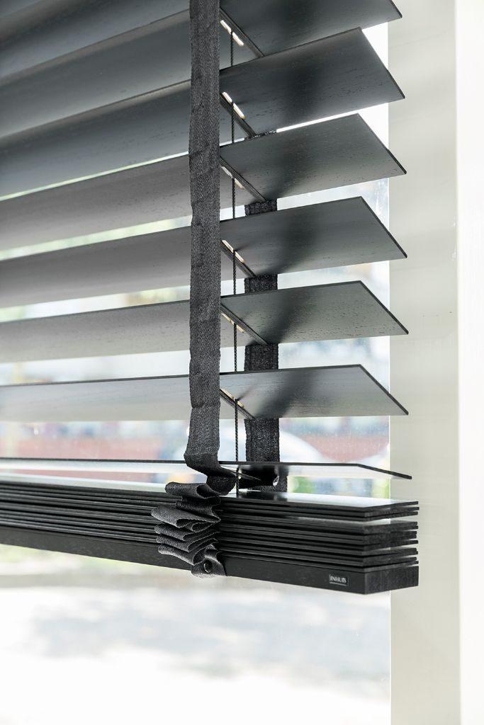 2.-Lichtinval-privacy-houten-jaloezieen
