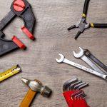 Welk gereedschap mag zeker niet ontbreken in huis?